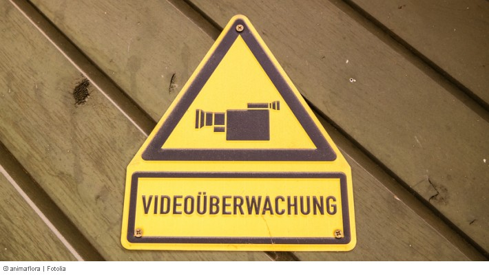 Einbruchschutz Haus Uberwachen Kamera Im Mietshaus