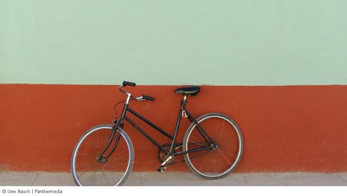 fahrrad im hof abstellen ist das mietern einfach m glich erlaubt. Black Bedroom Furniture Sets. Home Design Ideas