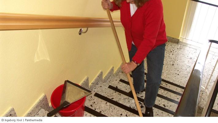 Mangelhafte Hausreinigung Treppe Flur Haus Nicht Sauber